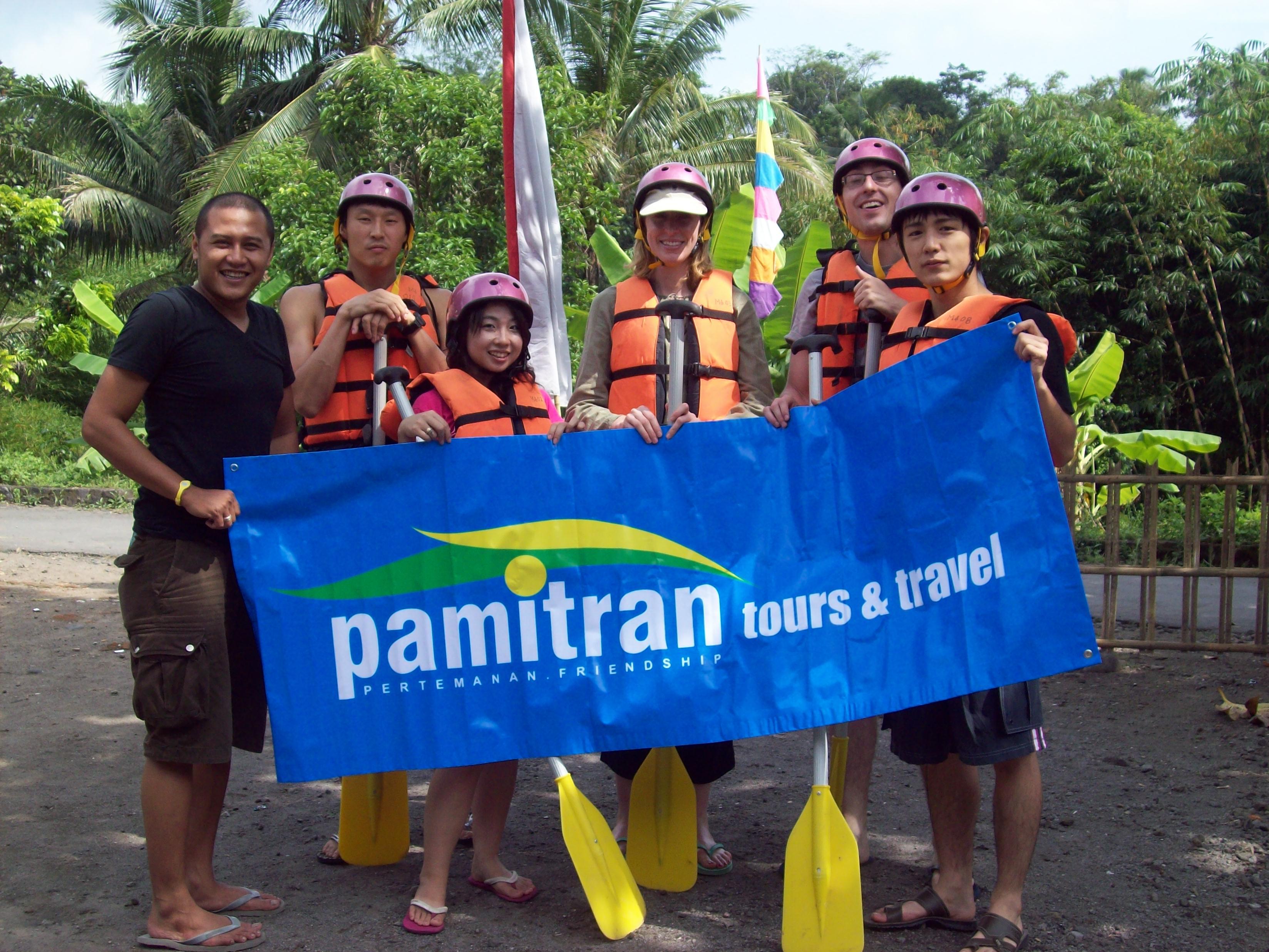 paket tour rafting elo