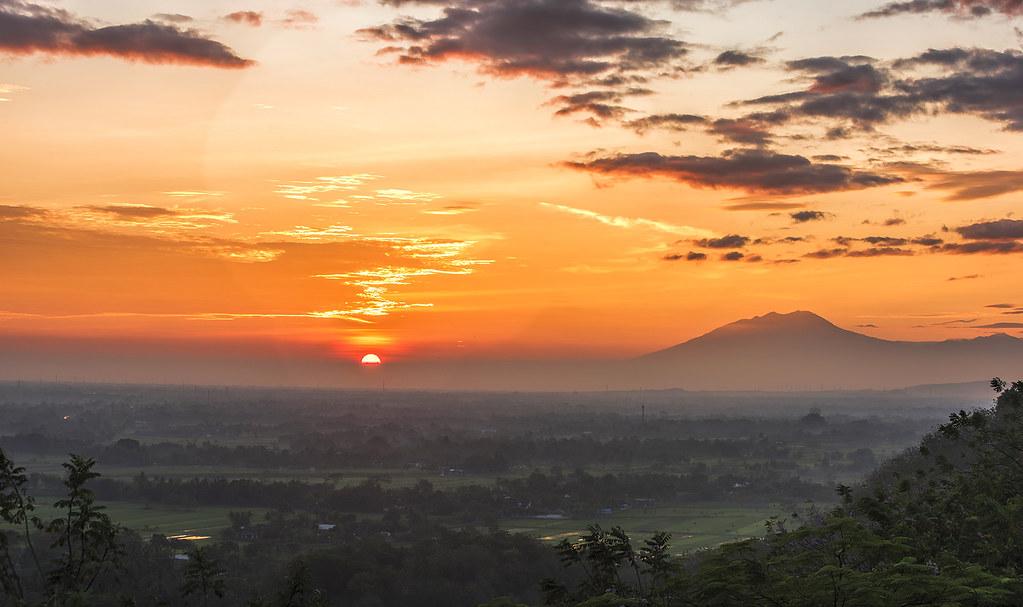 13 Spot Sunrise Di Jogja Terbaik Tempat Melihat Sunrise Yang Indah